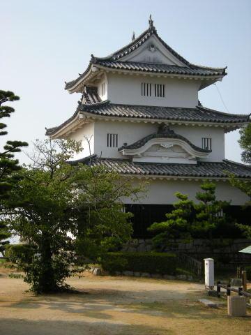 丸亀城.jpgのサムネイル画像