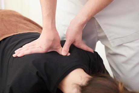 身体の歪みを整えて症状を改善する施術です